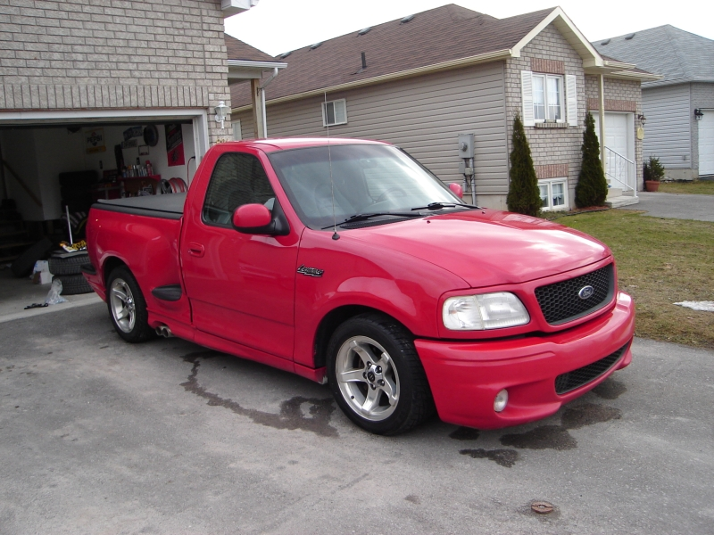 2000 Ford SVT Lightning Red