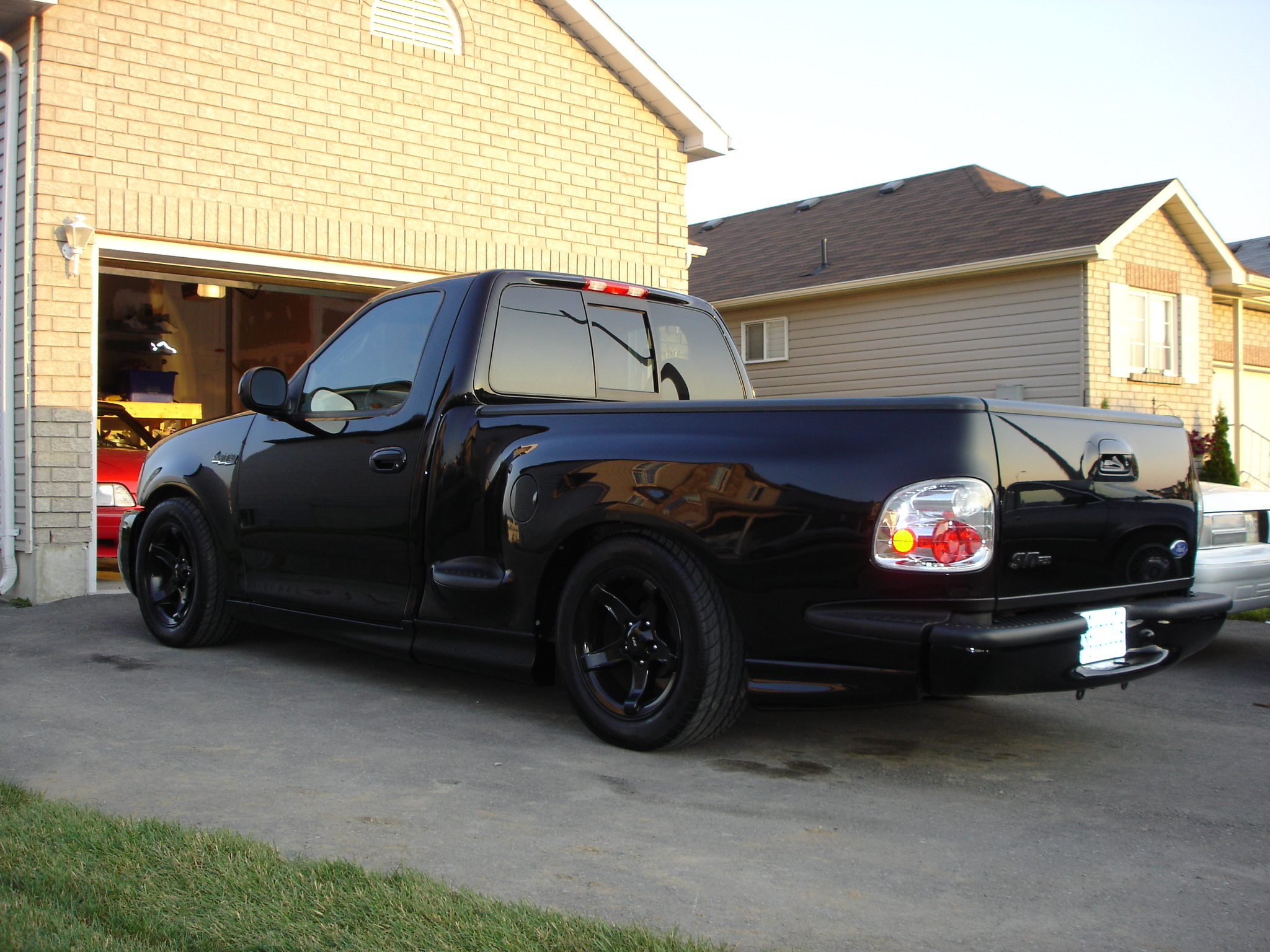 2000 Ford SVT Lightning Black